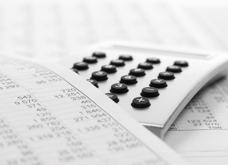 Calculator and financial report